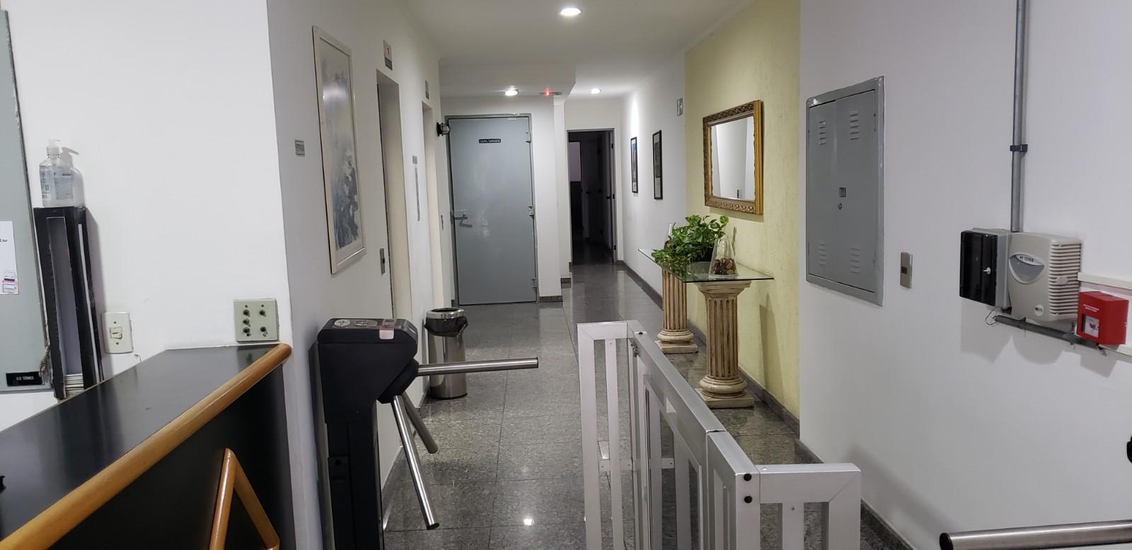 Hall Condomínio Italo Lazzuri - Zoboli & Zuza